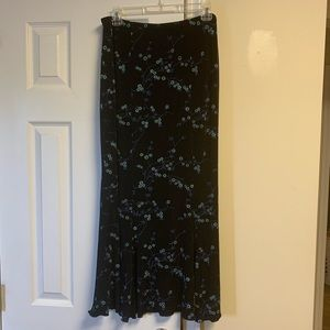 Briggs Maxi Skirt Slinky With Mini Floral Pattern